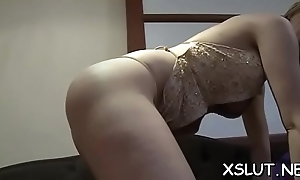 Foxy blonde takes delight silencing biggest botheration on men prospect