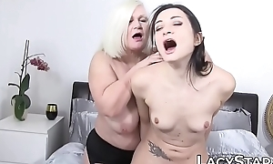 Dissipated GILF bowels licked before toying and oral