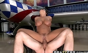 Hawt milf (Lisa Ann, Jordan Ash) lose one's heart to there top hung a porn parody - BRAZZERS