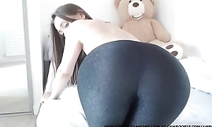 Precise Booty Exposed to Cam...