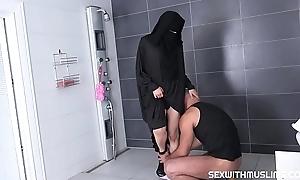 نيك محارم مع الاخت الكبيرة قبل النوم مترجم &ndash_ سكس محارم اجنبي